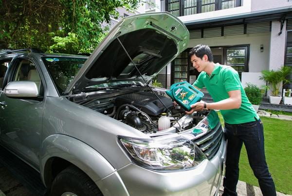 Cẩm nang giúp bạn tự thay dầu nhớt ô tô tại nhà