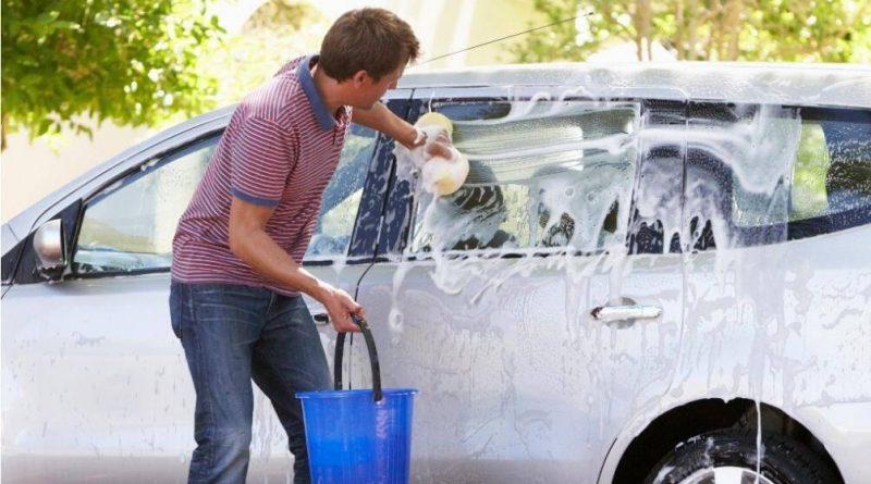 Hướng dẫn cách rửa xe ô tô như thợ chuyên nghiệp