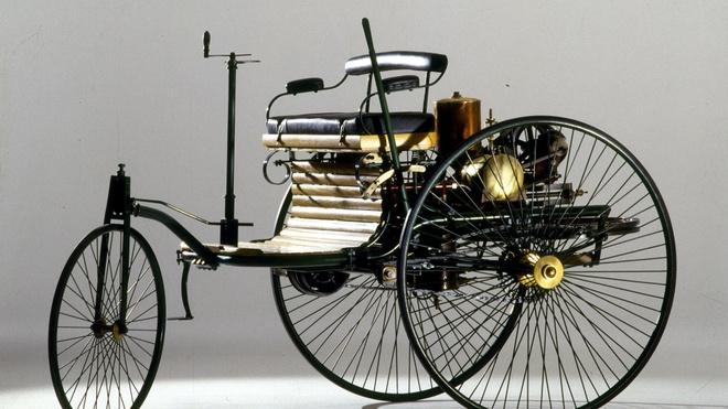 Xe hơi đầu tiên chạy bằng hơi nước của Nicolas Joseph Cugnot