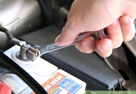 Các bước lắp đặt ắc quy ô tô đúng cách