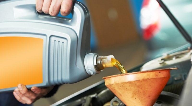 Cách lựa chọn dầu nhớt phù hợp cho xe ô tô bạn không nên bỏ qua