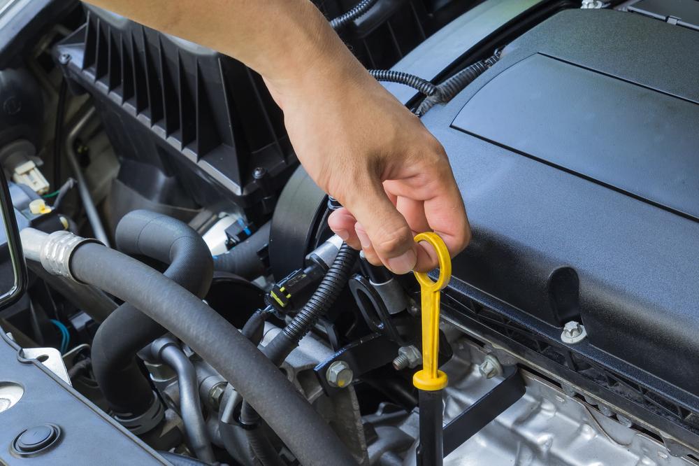 Thay dầu nhớt ô tô